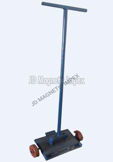 Floor Sweeper Magnet 01
