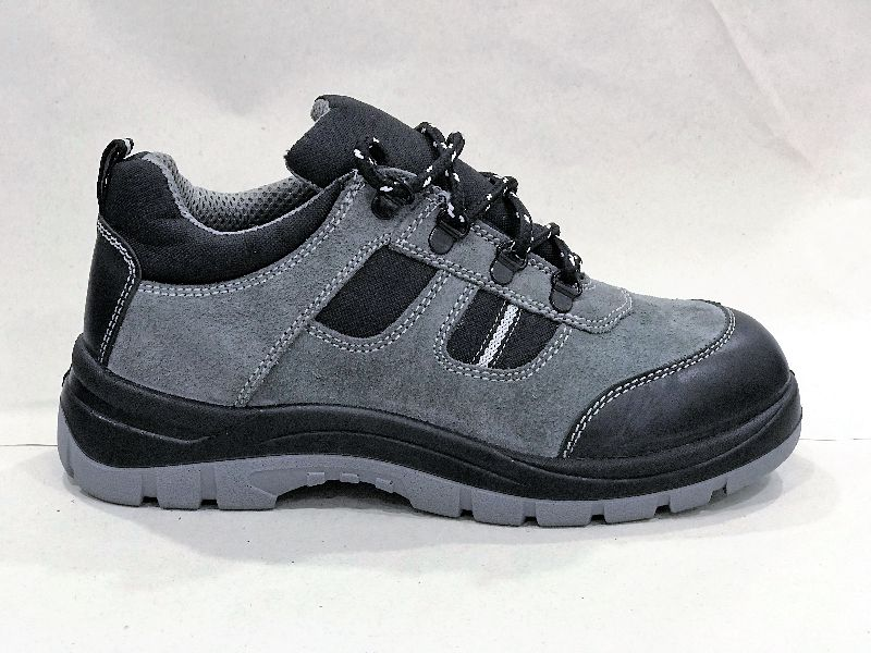 Ultima Sporty Safety Shoes