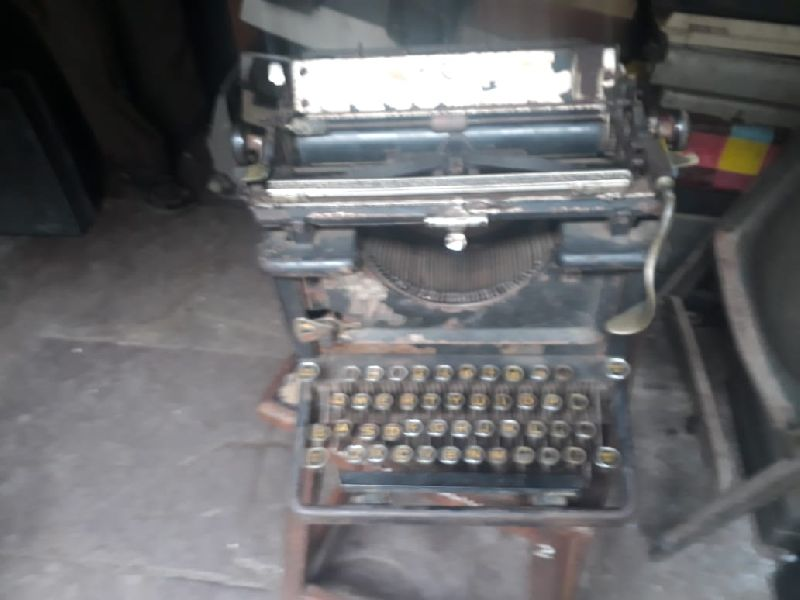 Brother White Portable Typewriter 02