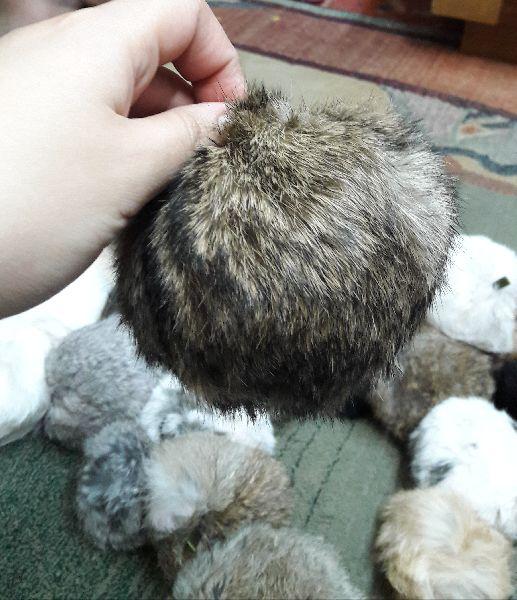 Rabbit Fur Pom Poms 03