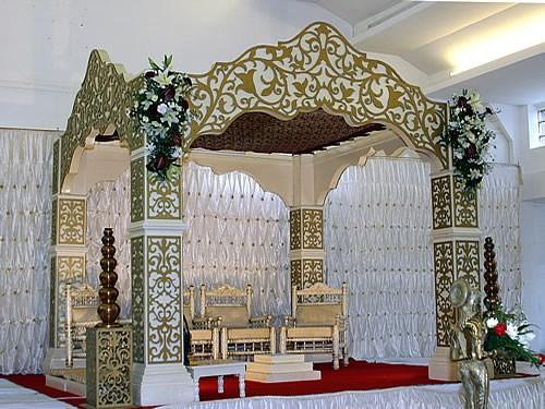 White & Golden Mandap for Wedding