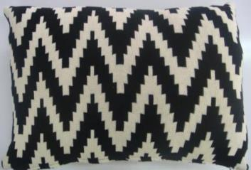 Knitted Cushion Cover 04
