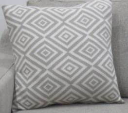 Knitted Cushion Cover 07