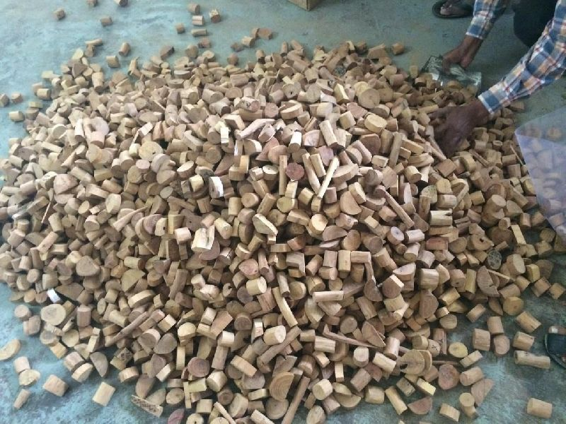 Sandalwood Chips 02