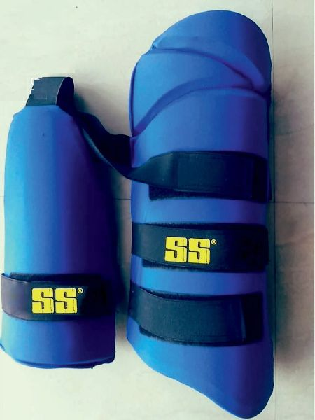 Cricket Thigh Guards 03