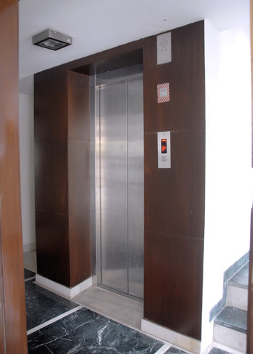 Automatic Passenger Lift 01