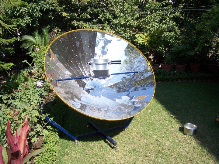 Solar Parabolic Cooker 01