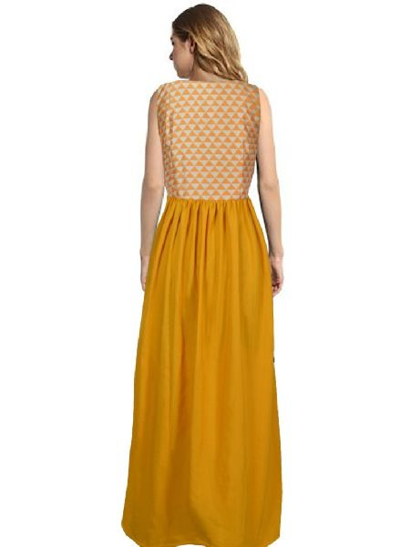 G-58 Barbie Yellow Gown 02