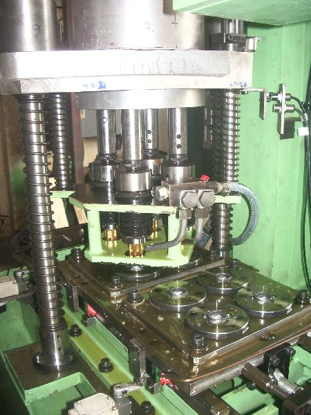 Special Purpose Shuttle Type Multispindle Tapping Machine
