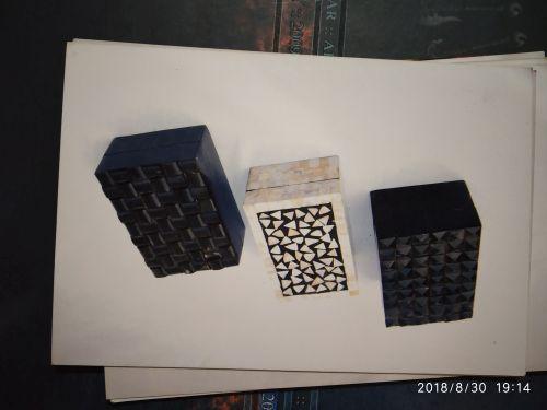 Horn and Born Modern Box 03