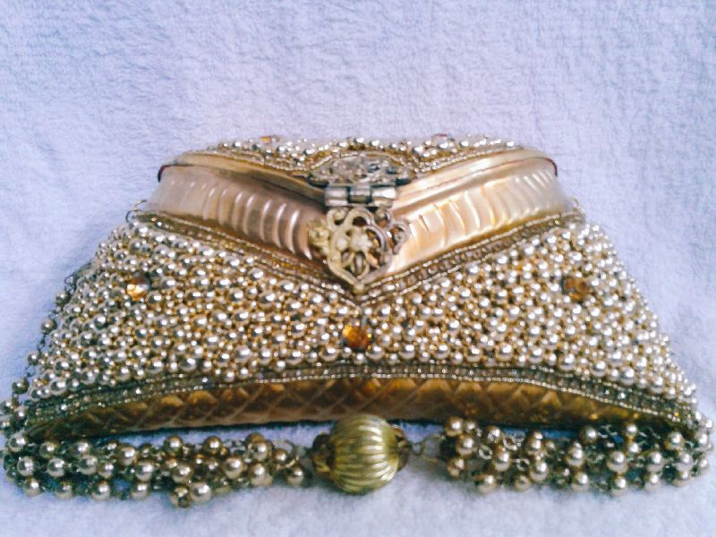 8 Inch Gold Moti Purse 01