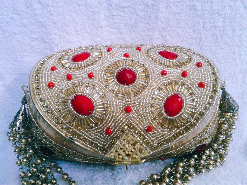 Aari Nagina Embroidery Purse 02