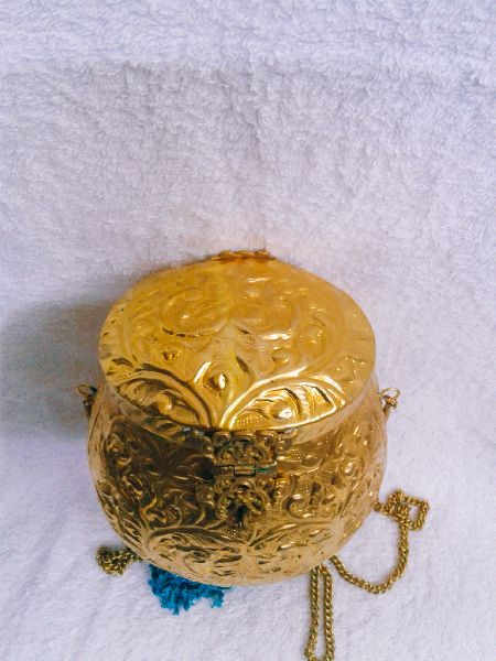 Brass Embossed Pot Purse 02