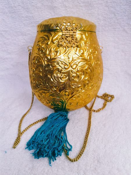 Brass Embossed Pot Purse 03