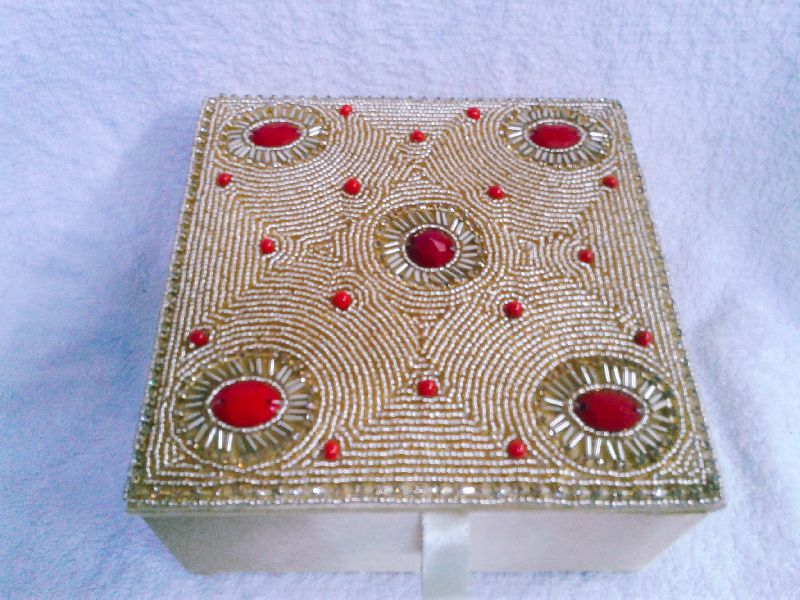 Gold Moti Jewellery Box 02