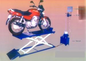 Two Wheeler Hydraulic Lift