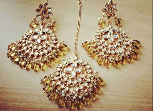 Kundan Imitation Earrings Maang Tikka Set
