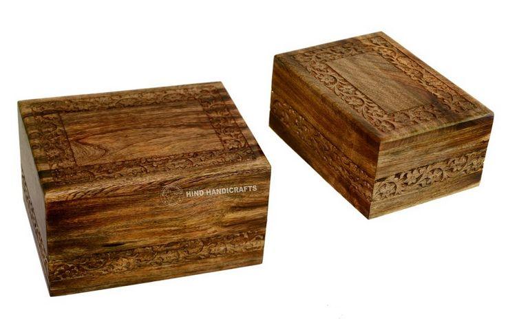 HHC127 Wooden Ash Urn