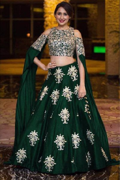 b406c43959 Heavy Work Tapeta Silk Lehenga Choli Manufacturer Supplier in Surat ...