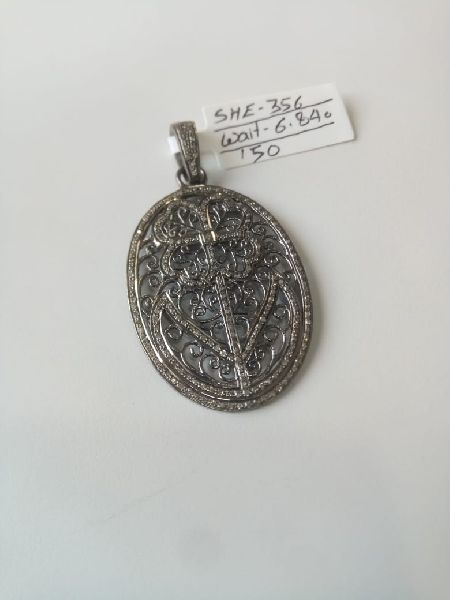 Oval Shaped Silver Stone Pendant