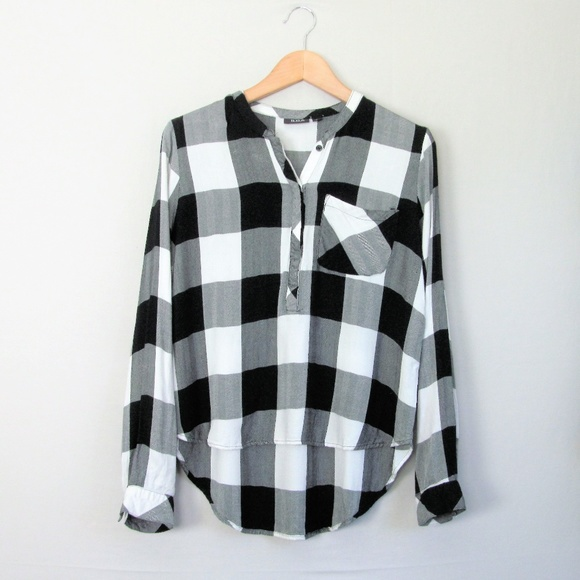 Ladies Checkered Tops