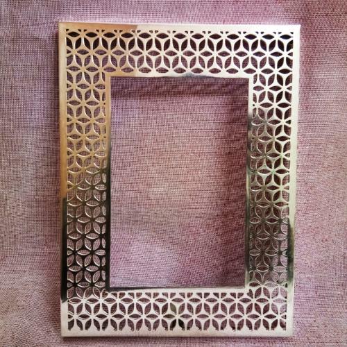 Decorative Metal Photo Frame 01