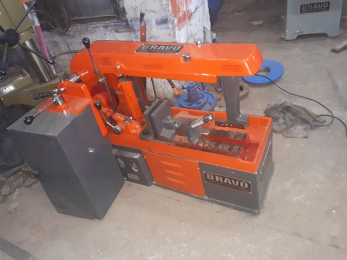 Hacksaw Metal Cutting Machine 01