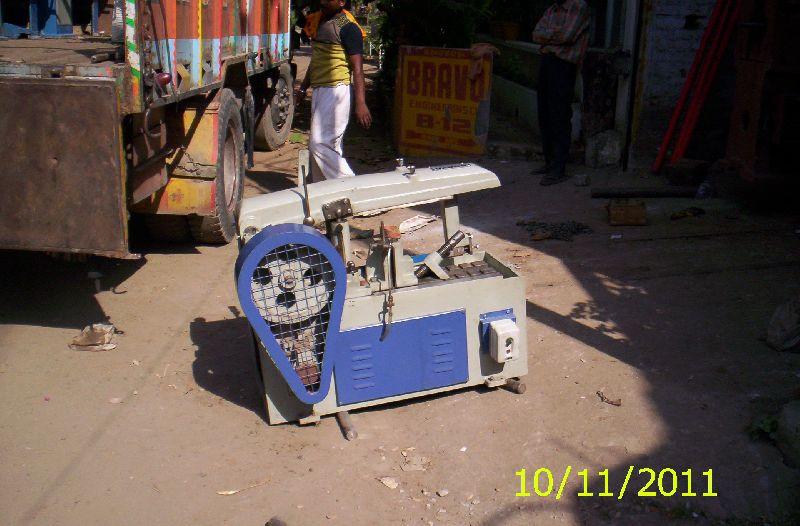 Hacksaw Metal Cutting Machine 02