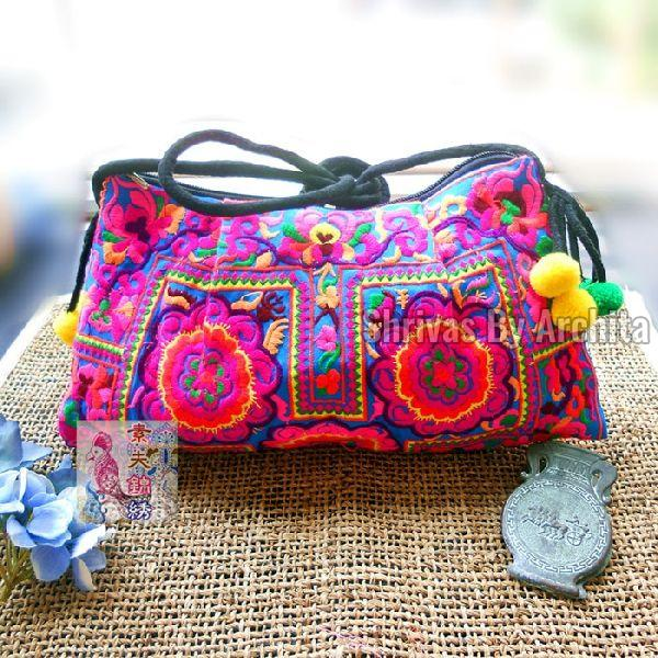 Embroidered Bag 02