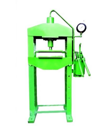 Chappal Sole Cutting Machine
