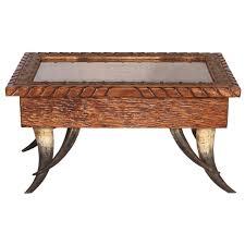 Horn Table 02