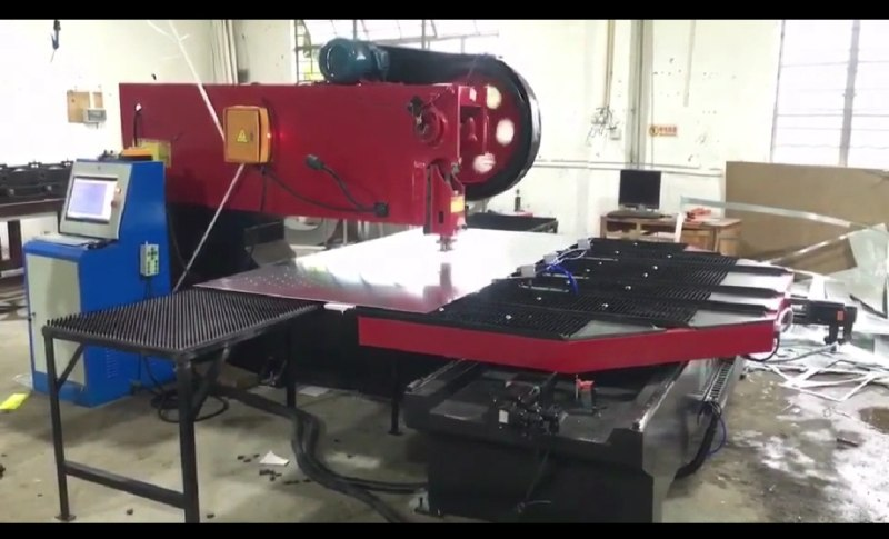 CNC Plate Punching Machine 01