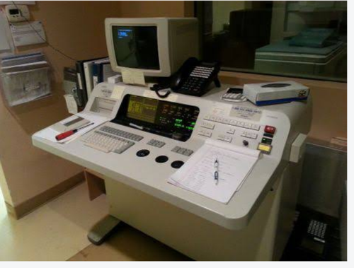 Hitachi Airis I MRI Machine