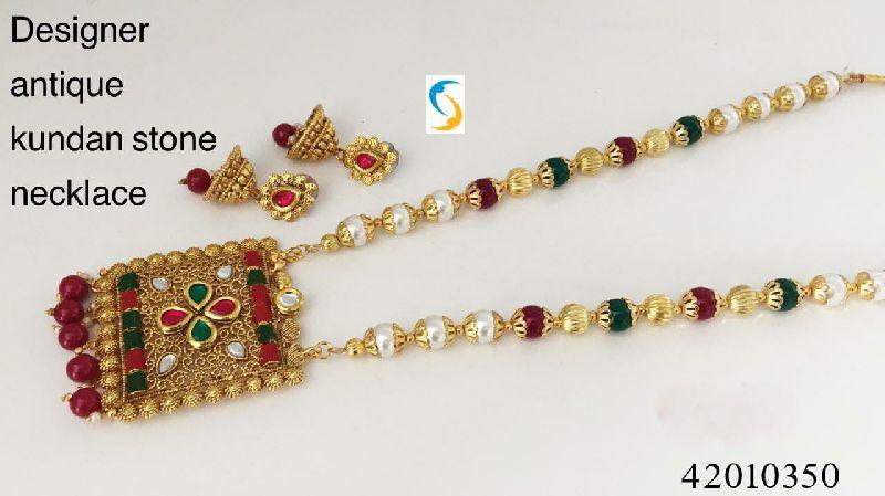 Antique Kundan Stone Necklace Set