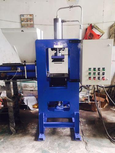 Semi Automatic Concrete Brick Making Machine