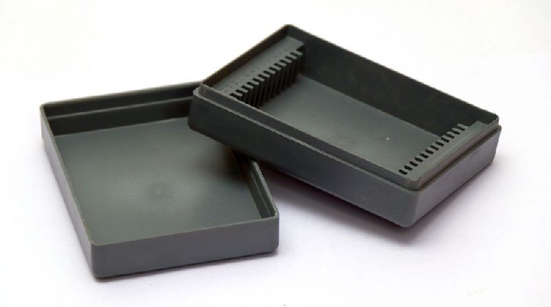 12 Cap Plastic Slide Box