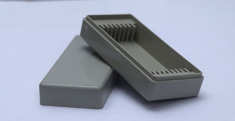 6 Cap Plastic Slide Box