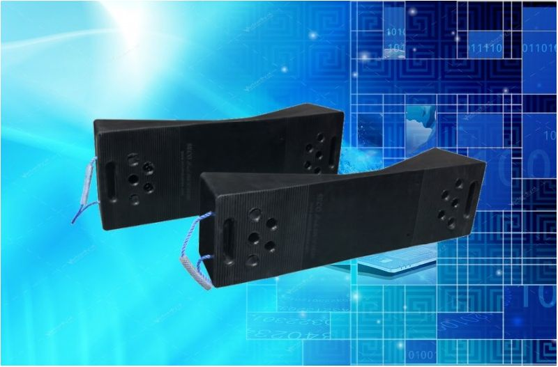 Rubber skids for steel coil protection