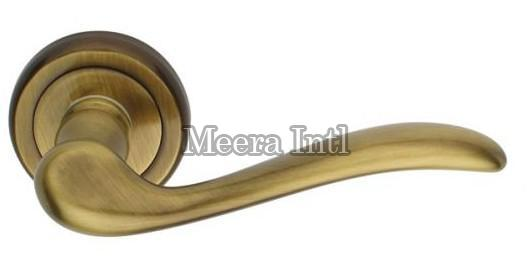 MI-18 Brass Door Handle