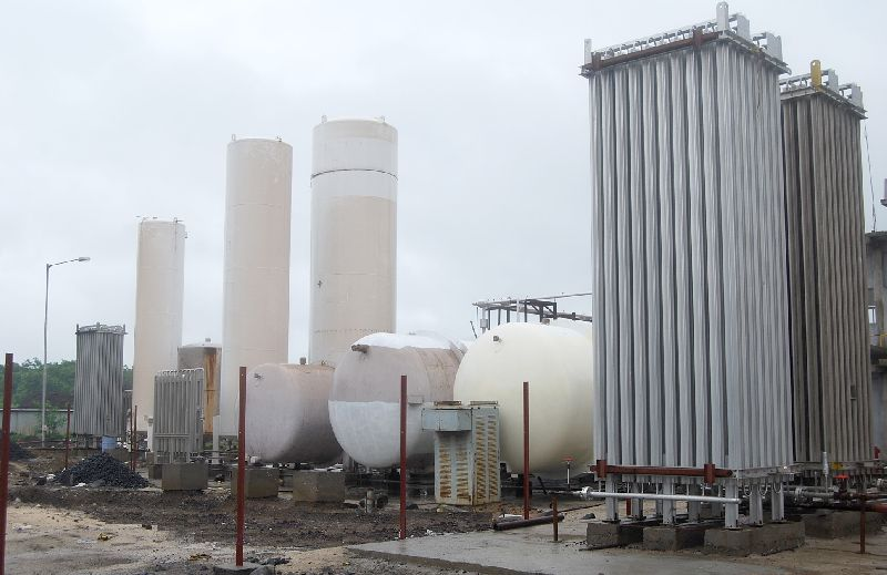 Installation of Cryogenic Tanks