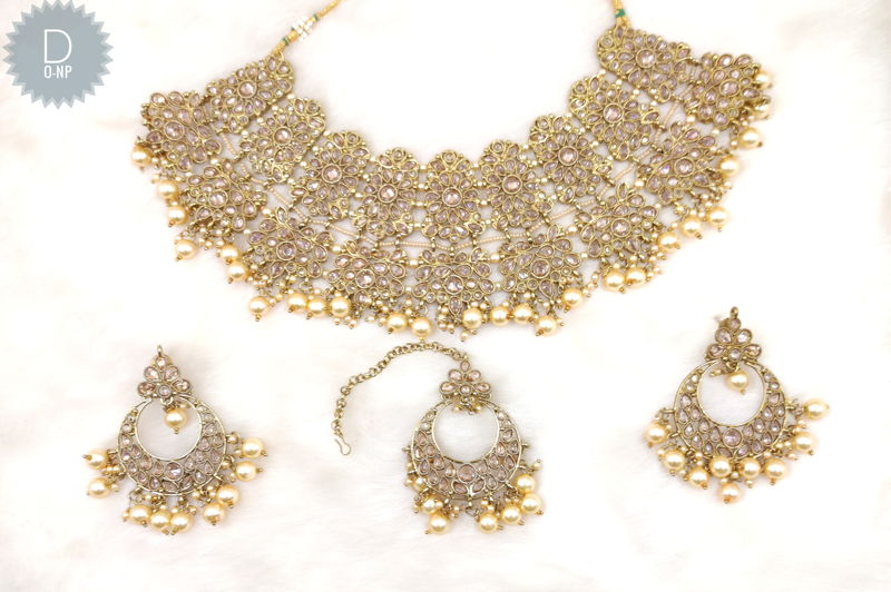 Reverse Ad Necklace Set