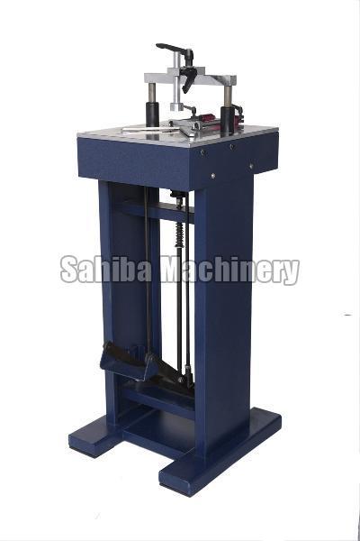 Photo Frame Pinning Machine 02