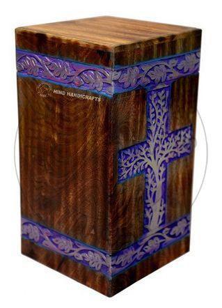 HHC131 Wooden Ash Urn