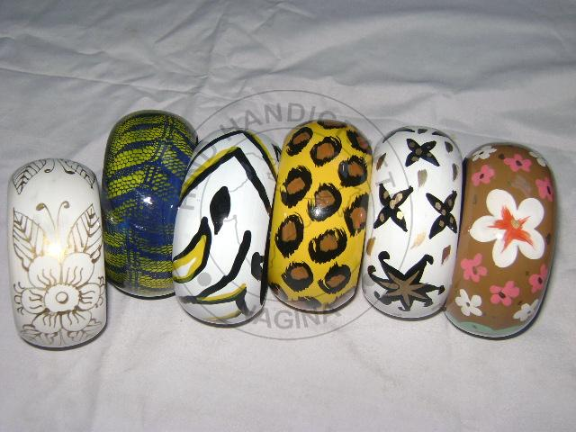 HHC147 Painted Wooden Bangle