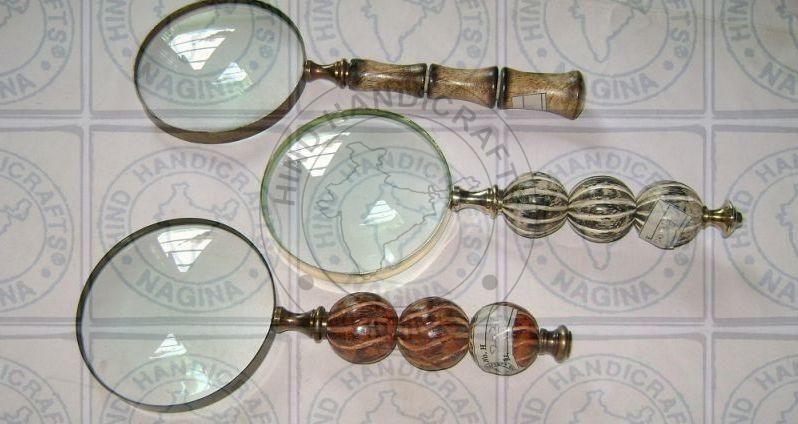 HHC21 Antique Wood Brass Magnifier