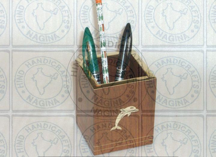 HHC243 Wooden Pen Holder