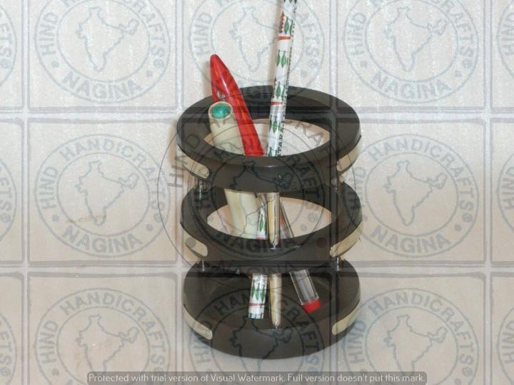 HHC247 Wooden Pen Holder