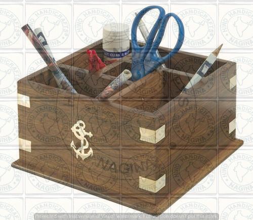 HHC248 Wooden Pen Holder