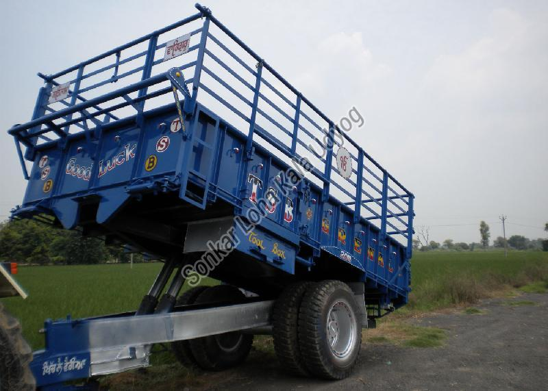 Tractor Trolley 03