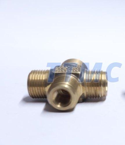 Brass 4 Way Connector 02